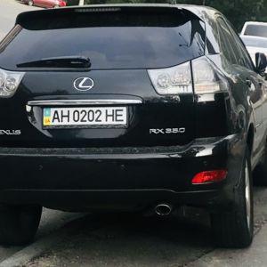 Де цього донецького оленя вчили водити? Янукович нашару права подарував? Поставив свій сар